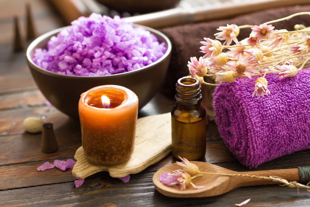 massage-aromatherapy_130142111